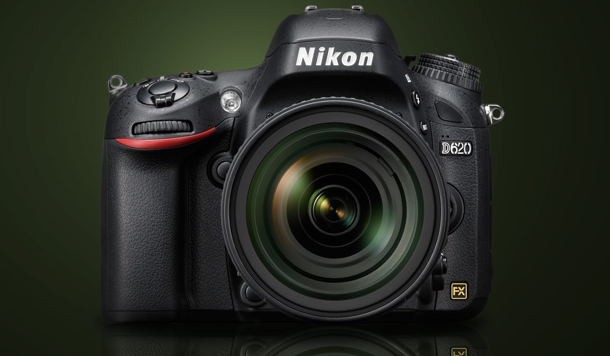 Nikon D620