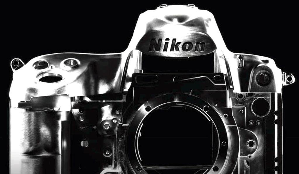 Nikon Camara Metal